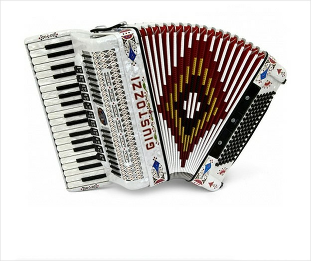 Giustozzi Mod 77/SL Piano Accordion - The Accordion Lounge