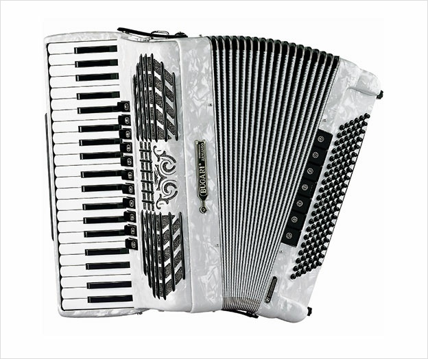 Bugari Armando Championfisa 240/CH - The Accordion Lounge